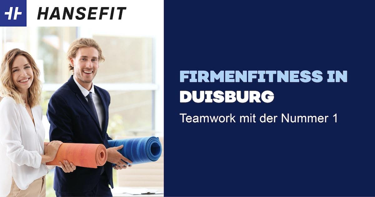 Firmenfitness in Duisburg. Ein Mann und eine Frau in Business-Kleidung mit einer Yoga-Matte unter dem Arm. Beide lächeln.