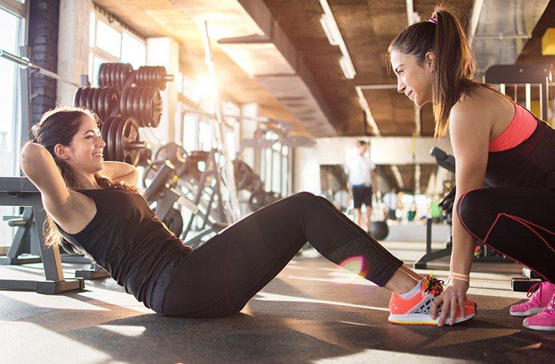 Fitness Frauen Crunches